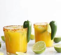 Spicy mangó jalapenó margaríta kokteill uppskrift