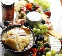 bakaður brie í smjördeigi, bakaður camembert, ostabakki uppskrift