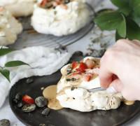 Turkish pepper pavlovur með dumle sósu og jarðaberjum
