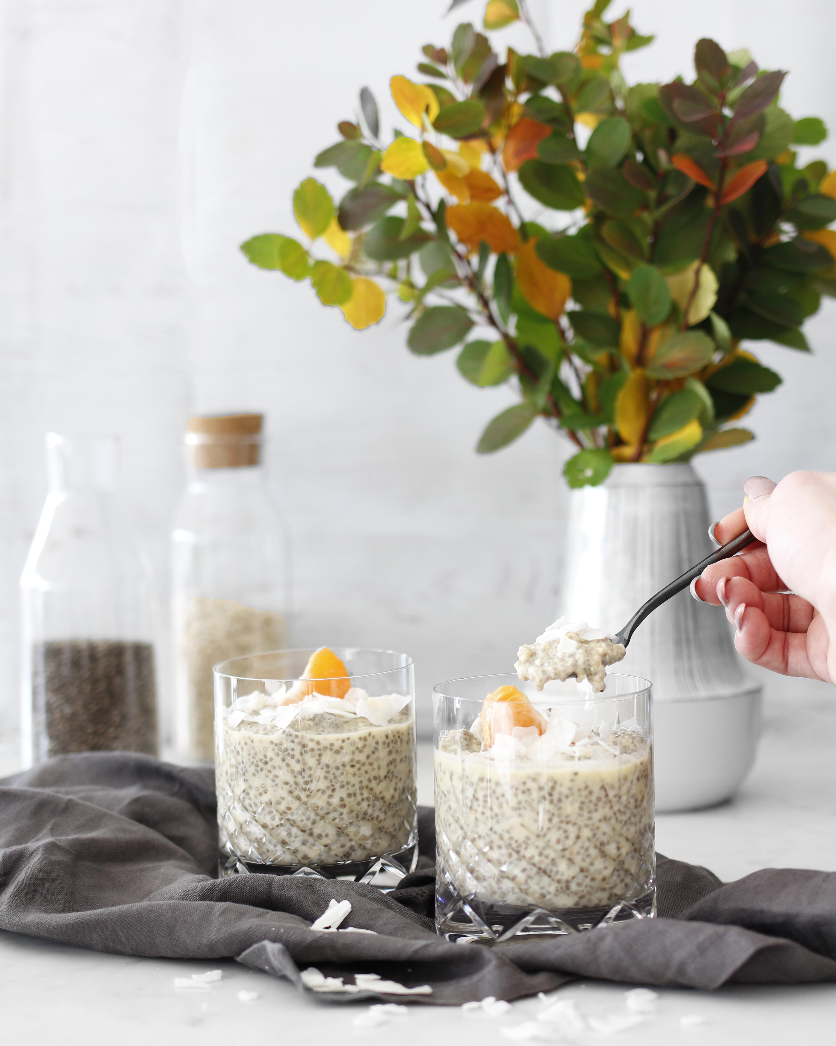 holler morgunmatur, chia grater með höfrum, kókos, banana og appelsínu
