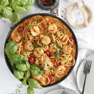 Korters risarækju pasta í spicy hvítlauks tómatsósu