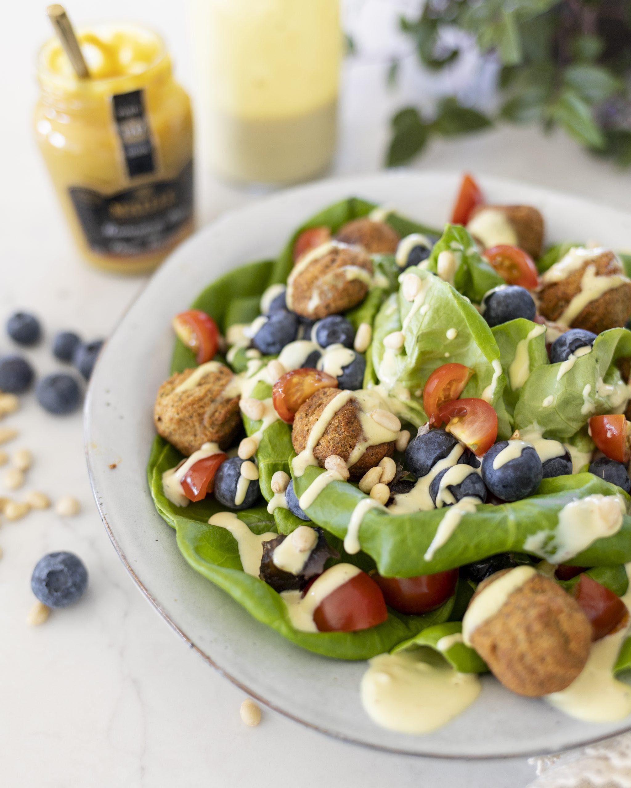 Ferskt falafel salat með Hunangssinneps salatdressingu